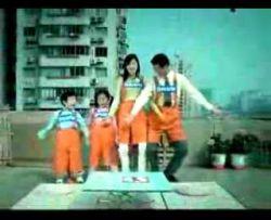 Милая японская семейная игра «Кто как умрет сегодня?» (видео)