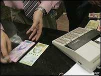 Россия ужесточает контроль за доходами иностранцев