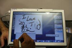 Планшетник в стиле MacBook от компании Axiotron (видео)