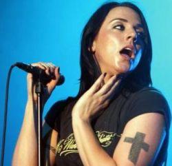 Мелани Си потратит 10,000 фунтов на татуировки