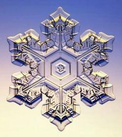 Создана модель формирования снежинок