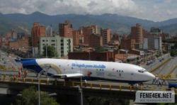 В Колумбии Boeing используется вместо городского транспорта? (фото)