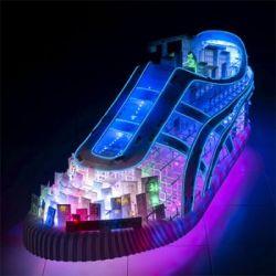 Японский мегаполис внутри кроссовок Onitsuka Tiger (фото)