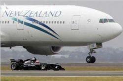 В Новой Зеландии автомобиль обогнал самолет