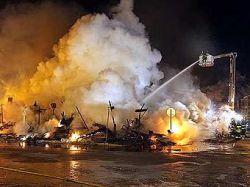 В пригороде Бостона сгорели 14 домов и приют для умственно отсталых