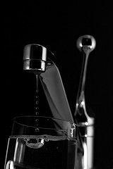 Итальянские учебные заведения отказались от закупки воды в бутылках, школьники будут пить воду из-под крана