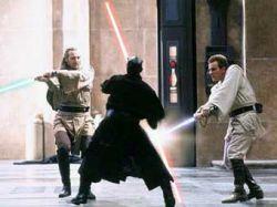 """Световой меч из \""""Звездных войн\"""" назван самым популярным оружием в кино"""