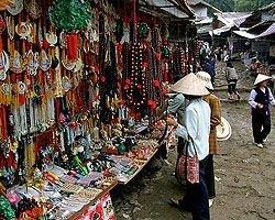 С главных улиц Ханоя разгонят мелких торговцев