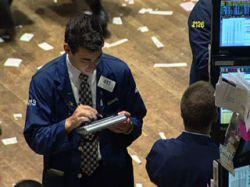 Цены на нефть упали до рекордного за шесть недель минимума