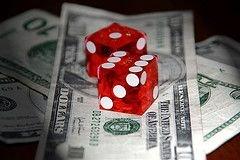 На валютных торгах произошел обвал доллара