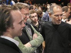 Рекордная выручка Apple привела к обвалу акций компании