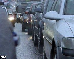 Метель привела к сильнейшим дорожным заторам в Поволжье