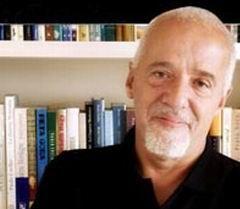 Пауло Коэльо создал сайт для распространения пиратских копий своих книг