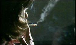Число курильщиц в России выросло вдвое