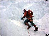 Горы покорил 71-летний альпинист