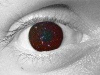 Количество звёзд, видимых глазом на ночном небе, в первую очередь определяется устройством самого глаза