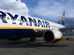 В Британии запретили рекламный плакат ирландской авиакомпании Ryanair