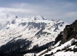 На юге России туристам угрожают лавины