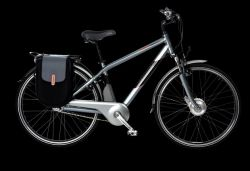 Спортсмен Кьюран Райт решил объездить всю Америку на велосипеде, крутя педали  задом наперед