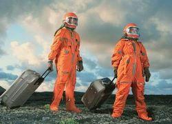Будущих космонавтов учат ходить по стенам (фото)