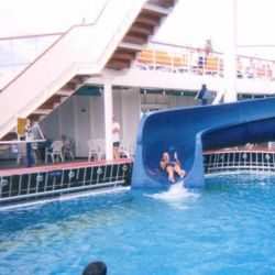 На палубе корабля Fantasy появился аквапарк