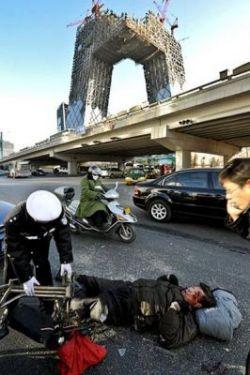 В падающих башнях Китая разместится телецентр (фото)