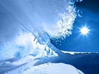 В Татарстане еще трое детей попали под лавину