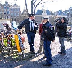 В Голландии прошла акция протеста полицейских