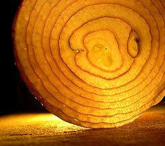 Выведен сорт лука, который можно чистить без слез