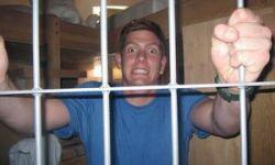 Американец Уитни Стамп сел в тюрьму за нанесение дорожной разметки