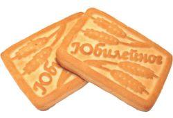 На побережье Ланкашира выбросило тысячи упаковок печенья