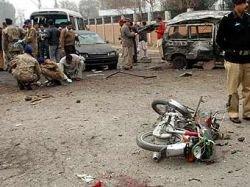 Пакистанский смертник на мотоцикле взорвал армейский автобус