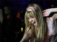 """Трехмерный концерт \""""Hannah Montana & Miley Cyrus\"""" оказался лидером американского проката"""
