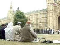 Британским госслужащим запретили называть исламистов исламистами