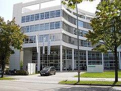Siemens требует компенсации от сотрудников за скандал