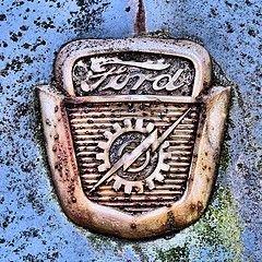Рабочие Ford согласились принять предложение о зарплате