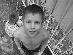 В России растет количество детей-сирот, которые воспитываются не в детдомах, а в приемных семьях