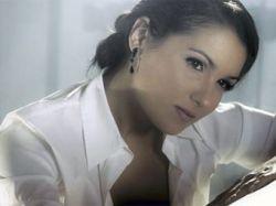 Анна Нетребко отменила выступления из-за беременности