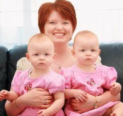 Нерожденные близнецы вылечили рак у матери