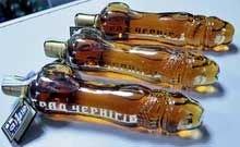 На Украине водку в форме фаллоса сметают с прилавков
