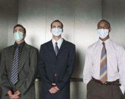 Врачи: Не стесняйтесь ходить на работу в масках