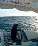 Участнику гонки вокруг Антарктиды - яхте Федора Конюхова - с двух сторон угрожают мощные шторма