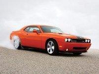 Dodge официально представил Challenger SRT-8