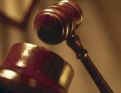 За три месяца, проведенные в онлайне, суд обязал жителя Челябинска выплатить МТС 10 тысяч долларов