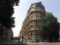Арабские инвесторы International Hotel Investments скупают недвижимость королевы Великобритании