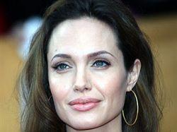 Анджелина Джоли приехала в Ирак спасать миллионы беженцев