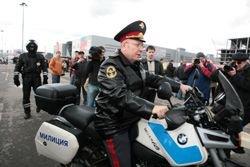 Поезда, самолеты и порты милиция берет под круглосуточную охрану