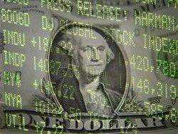 Доллар стремительно дорожает по отношению к рублю и евро