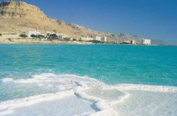 Мертвое море продолжает мелеть