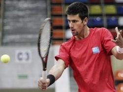Чемпион Australian Open Новак Джокович снялся с матча Кубка Дэвиса против России